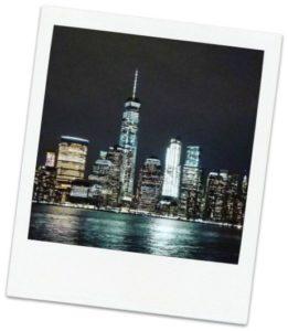 Skyline at Night 261x300 - Una guía de viaje para la ciudad de Nueva York con presupuesto