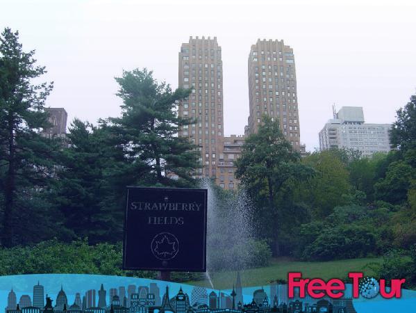Strawberry Fields NYC - Strawberry Fields Central Park   John Lennon Memorial