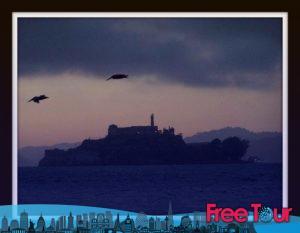 alcatraz night tours y entradas 2 300x233 - Alcatraz Night Tours y Entradas