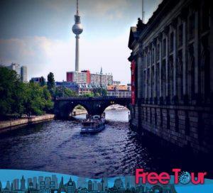 lo que hay que ver en berlin mitte una visita auto guiada 7 300x272 - Lo que hay que ver en Berlin Mitte | Una visita auto-guiada