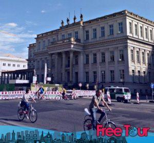 lo que hay que ver en berlin mitte una visita auto guiada 9 300x278 - Lo que hay que ver en Berlin Mitte | Una visita auto-guiada