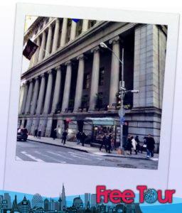 wall street tours tours gratis a pie 6 256x300 - Wall Street Tours   Tours gratis a pie